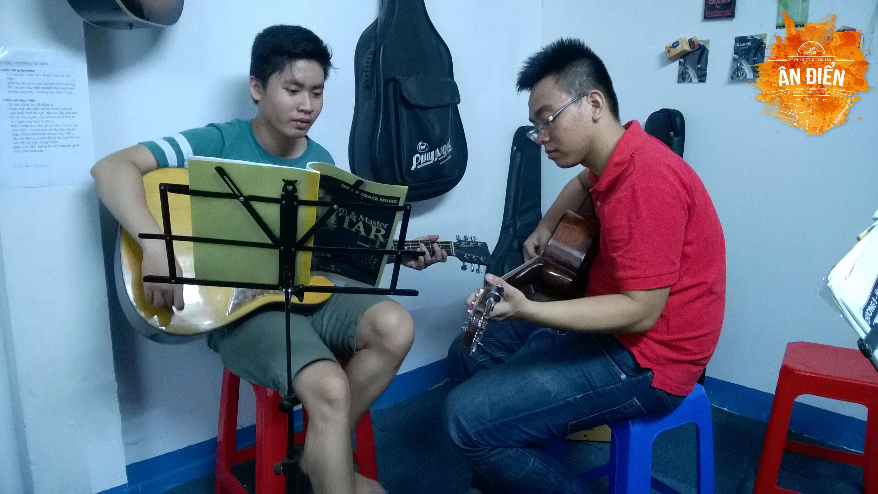 khoa hoc dan guitar gia re o tphcm 16