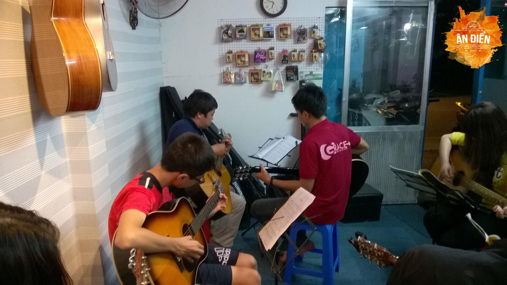 day dan guitar tan binh tan phu phu nhuan quan 10 tphcm 2